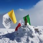 Il Tricolore e il Vessillo Vaticano
