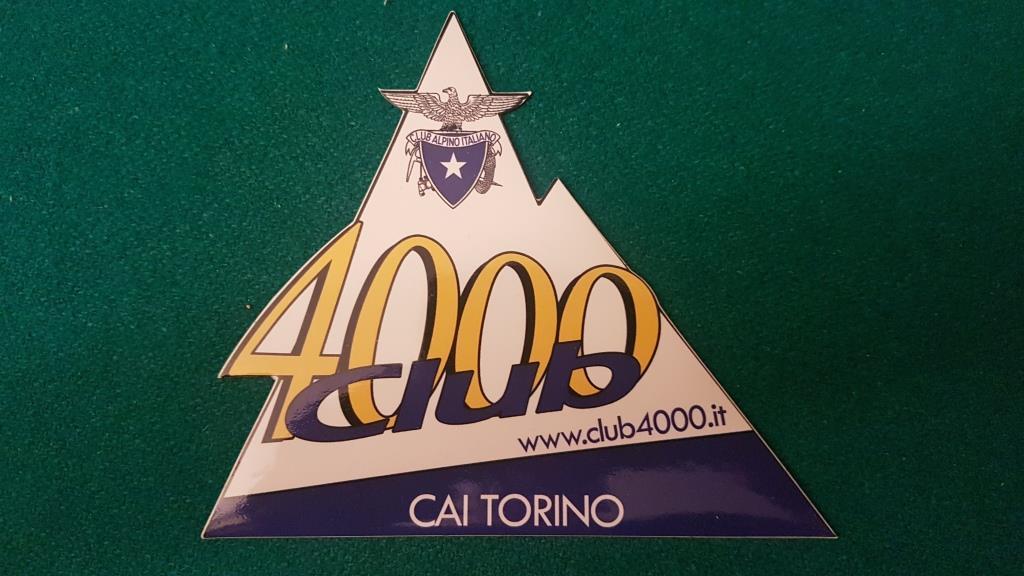d Lo stemma del Club dei 4000
