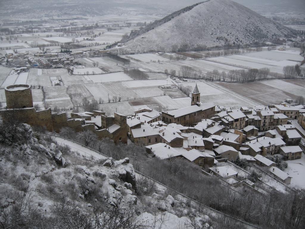 H L'abitato di Fossa 2006