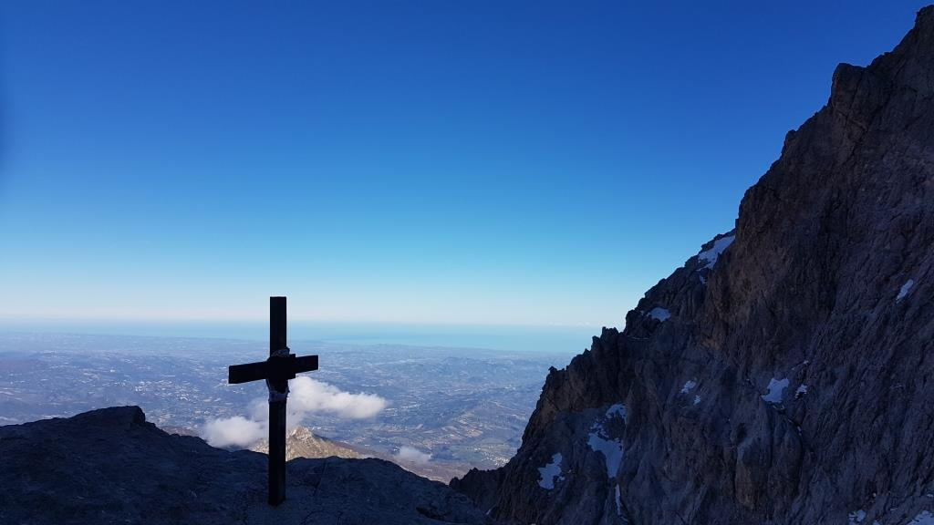 Monumento dedicato all'Alpinista Giuseppe Raggi