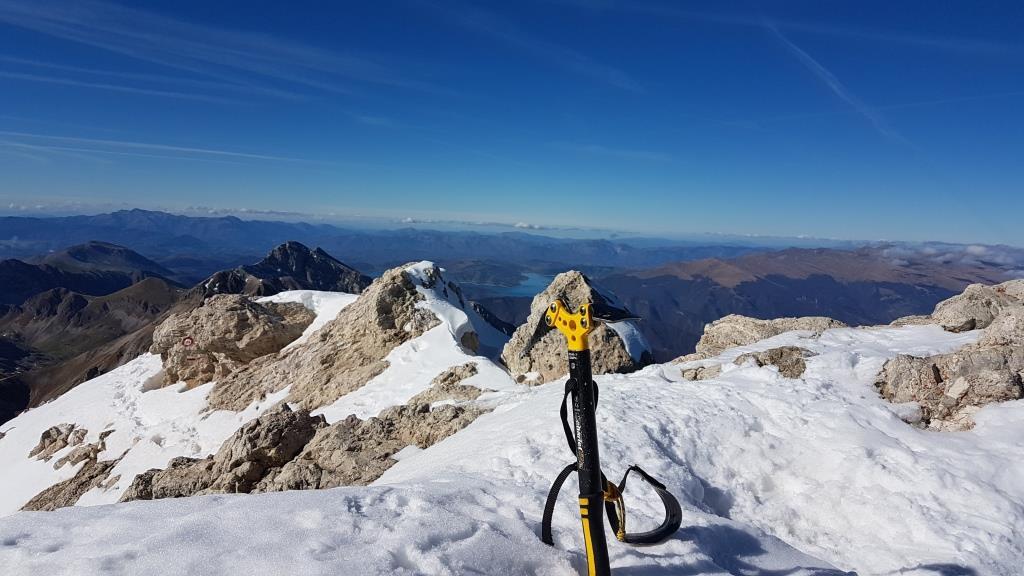 Le sommet e il Lago di Campotosto