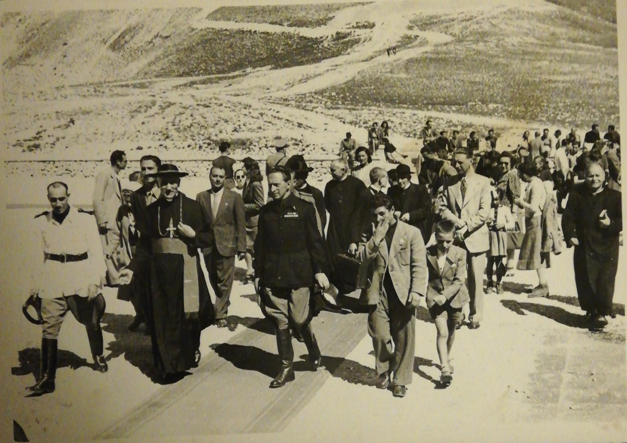L'Arcivescovo Confalonieri a Campo Imperatore foto archivio Luca Angeletti
